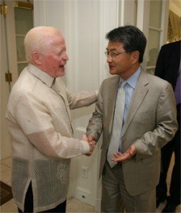 Ambassador Jose L. Cuisia Jr. welcomes United States Assistant Secretary of State Joseph Y. Yun to the Independence Day Reception of the Philippine Embassy at the Hay Adams Hotel in Washington, D.C. on Wednesday (Philippine Embassy Photo by Elmer G. Cato)