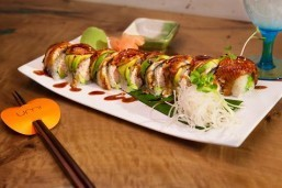 Umi-Caterpillar Roll w-chopsticks