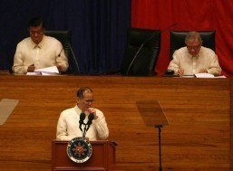President Benigno Aquino III clears his throat as he delivers his fifth State of the Nation Address at the start of the second regular session of the 16th Congress on Monday, July 28. (MNS photo)