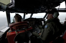 Australia, US launch 'needle in haystack' plane search
