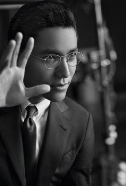 "Chen Kun in the new Giorgio Armani's ""Made To Measure"" campaign ©John Balsom pour Giorgio Armani"