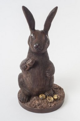 Outrageous chocolate Easter bunny costs $49,000 thanks to diamond eyes