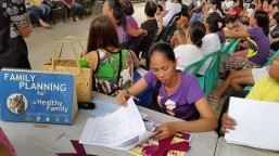 Despite SC TRO on gov't distribution of Implanon Hontiveros, women's groups distribute contraceptive implants to communities