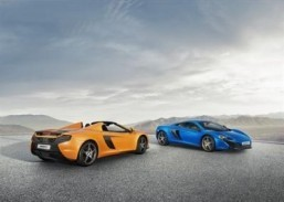 The McLaren 650S Spider and 650S Coupé Soft top or hard top, McLaren promises no performance compromises. ©McLaren Automotive