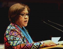 De Lima to leave for US, Germany with a promise to return