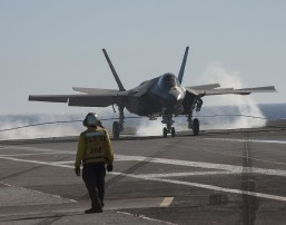 US F-35 jet makes 'landmark' aircraft carrier landing off San Diego