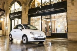 The Fiat 500C and 500 La Petite Robe Noire by Guerlain will go on sale in France from March 1, 2014. ©All rights reserved