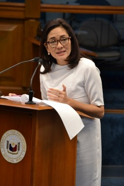 Hontiveros expresses alarm over HIV-AIDS incidence among youth