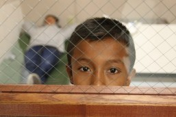 US to grant refugee status to Central American child migrants
