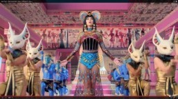 "Screenshot: ""Katy Perry - Dark Horse (feat. Juicy J)"" ©2014 YouTube, LLC"