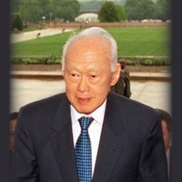 Singapore in mourning as first PM Lee Kuan Yew dies