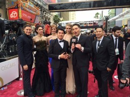 Marlou at the Academy Awards with the Oscar models for the 'KTLA Live at the Red Carpet'