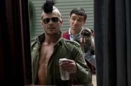 Trailer: Seth Rogen declares war on Zac Efron in 'Neighbors'