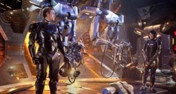 Del Toro eyes monster hit with 'Pacific Rim'