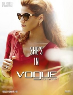 Eva Mendes returns as the face of Vogue Eyewear for the Spring-Summer 2014 season. ©Mario Testino pour Vogue Eyewear