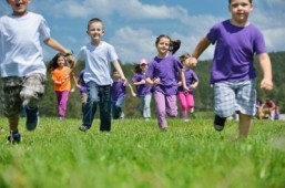 To stay healthy, children need to exercise at least an hour a day. ©dotshock/shutterstock.com