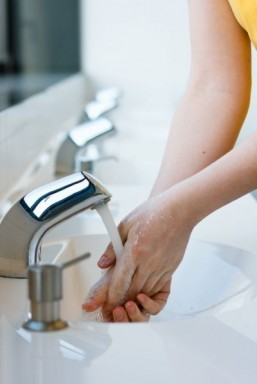 Only five percent of us wash our hands properly: study