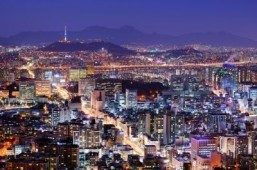Chinese tourists flock to South Korea in record numbers