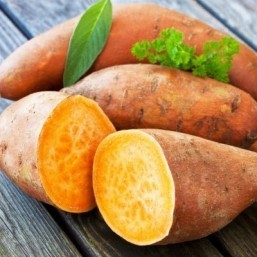 A low-oxalate diet can mean limiting intake of foods including sweet potatoes, kale, beets, almonds and spinach. ©PhotoSGH/shutterstock.com