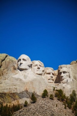 Mount Rushmore has been voted the most family-friendly historic site by readers of FamilyFun. ©photo.ua/shutterstock.com