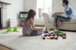 Turn off the TV when kids aren't watching, say researchers