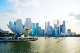 Singapore reports record 15.5 million visitors in 2013