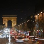 Paris offers shopping passport to visitors over the holidays