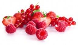 A handful of berries: low in calories, high in antioxidants. ©svetara/shutterstock.com