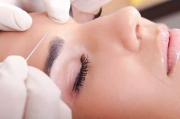 Britain's 'yummy mummies' ready for back-to-school Botox