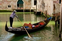Romantic Venetian reputation tarnished by drunken gondoliers