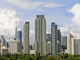 Makati City in the Greater Manila area of the Philippines © Antonio V. Oquias/shutterstock.com