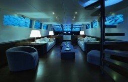 The 'Lovers Deep' luxury submarine hotel ©Oliver's Travels