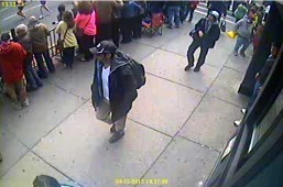 FBI releases photos, video of Boston bomb suspects