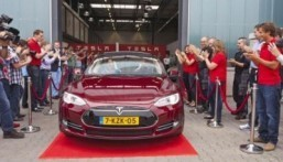 Newest Tesla electric will aim at middle market