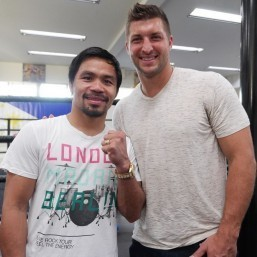 Manila-born ex-NFLer Tebow pays Pacquiao visit